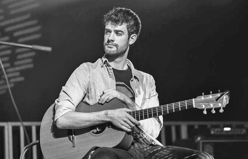 Seán Óg Graham at the Jim Dowling Uilleann Pipe and Trad Festival